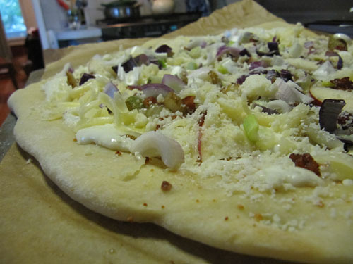 Pizza with Bacon, Apple, Fennel & Rosemary