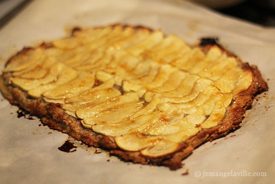 Crispy Crackly Apple Almond Tart